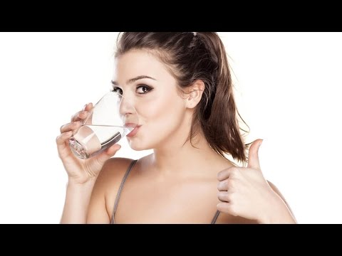 9 Signs You're Not Drinking Enough Water