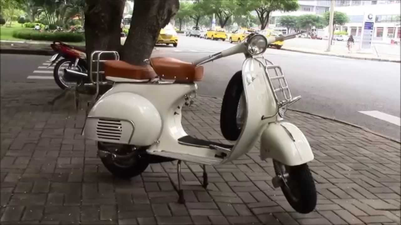 retro classic vbb vespa 150cc in pepper white youtube. Black Bedroom Furniture Sets. Home Design Ideas