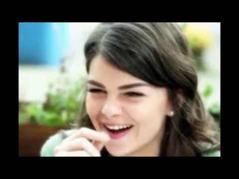 Senyuman Pelin Karahan Pemeran Putri Mihrima Abad Kejayaan ANTV