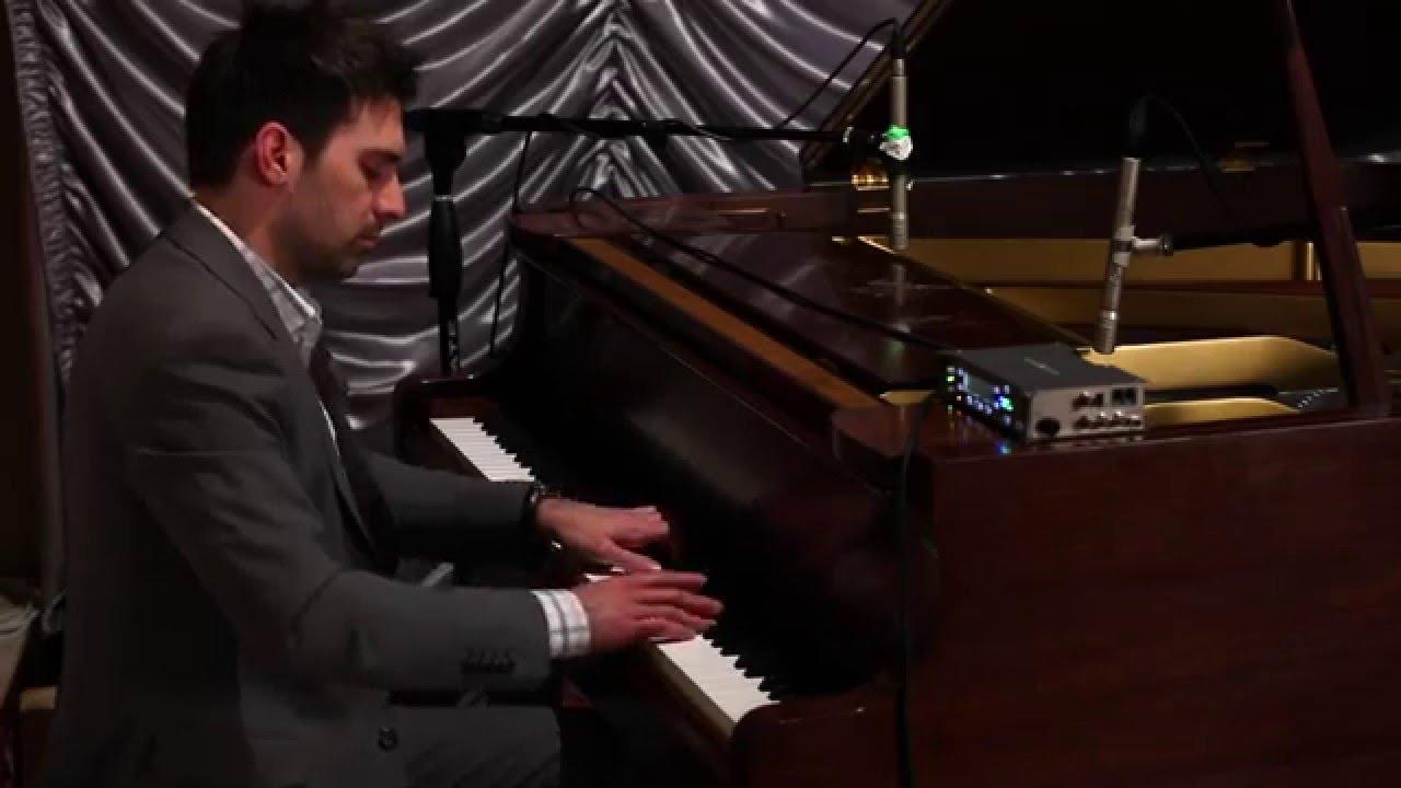 No Scott Its Not Working >> Carol of the Bells/ We Three Kings Mashup - Scott Bradlee, Piano - YouTube