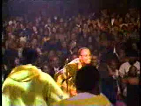Kirk Franklin - Stomp (with God's Property) Ft Salt (live)