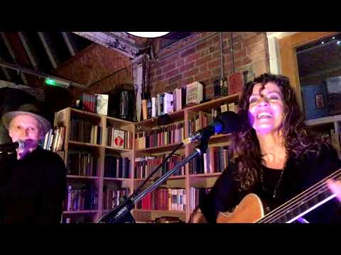 Harmonise, live at Big Comfy Bookshop, Coventry, 07/12/18