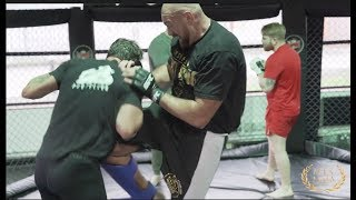 IS THE GYSPY KING ABOUT TO CRASH THE UFC? - TYSON FURY & DARREN TILL MMA TRAINING FOOTAGE (FULL)