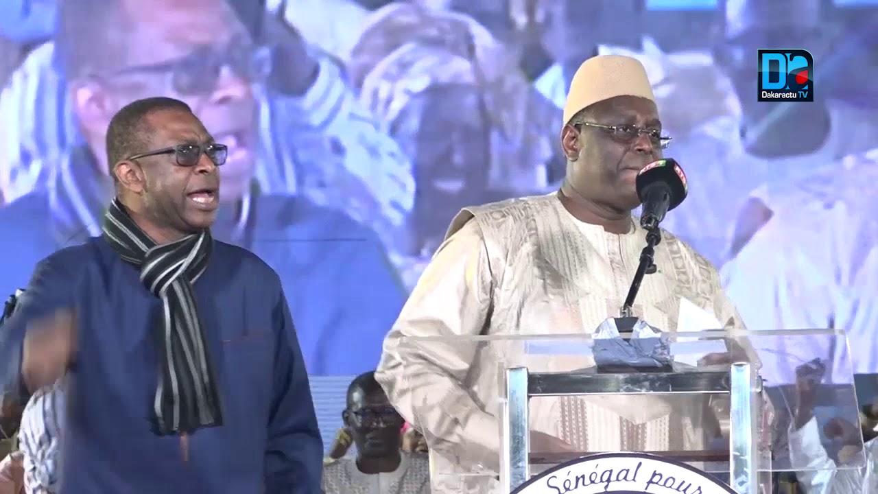Saint-Louis: Youssou Ndour fait danser le président Macky Sall