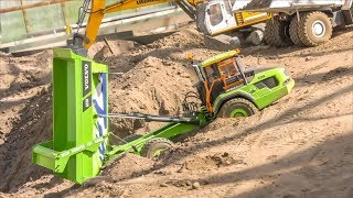 Volvo Dump Truck in trouble! RC Trucks and Machines!