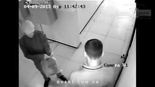 Домушники, взлом двери с цилиндровым замком, ограбление квартиры.(http://dveri.com.ua/ Видео реального взлома двери квартирными ворами. На видео видно как воры переламывают цилиндр..., 2015-08-19T05:44:23.000Z)
