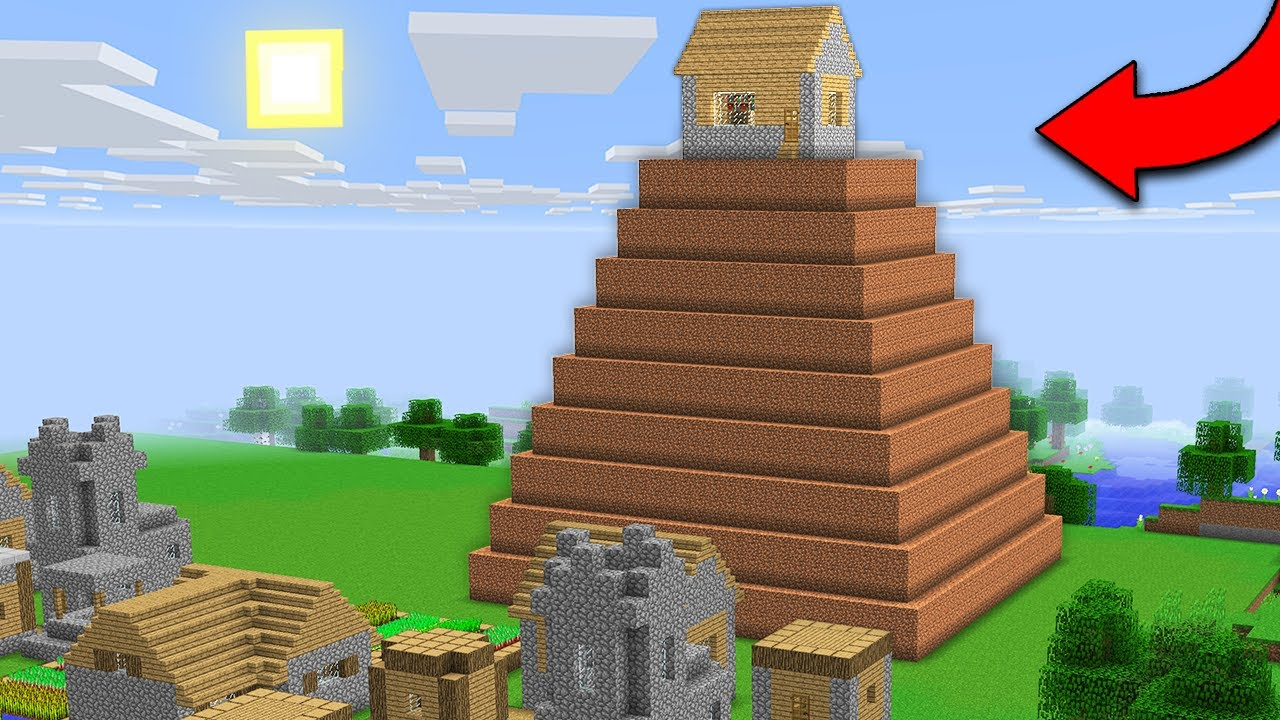 WHO LIVES IN THIS STRANGE HOUSE IN THE VILLAGE? Minecraft - NOOB vs PRO
