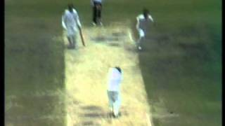 Imran Khan stunning bowling vs Australia 1981