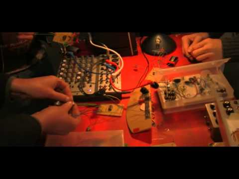 DIY Noise Synth Workshop 221011