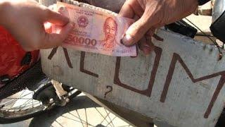 Xót xa phận đời người chạy xe ôm | VTC