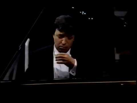 - Mozart Piano Concerto no. 20 in d minor, K. 466 - Perahia/Abbado/Berlin Philharmonic Orchestra