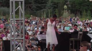 Watch Natalie Cole Somethings Gotta Give video