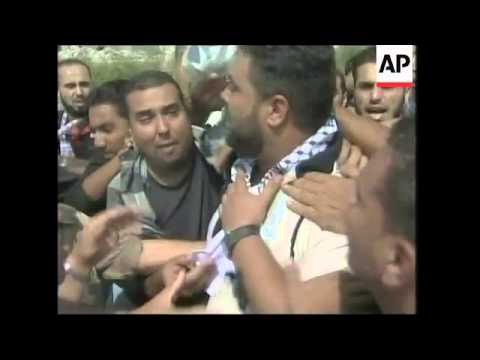 Israel releases Palestinian prisoners to the Gaza Strip, cross border