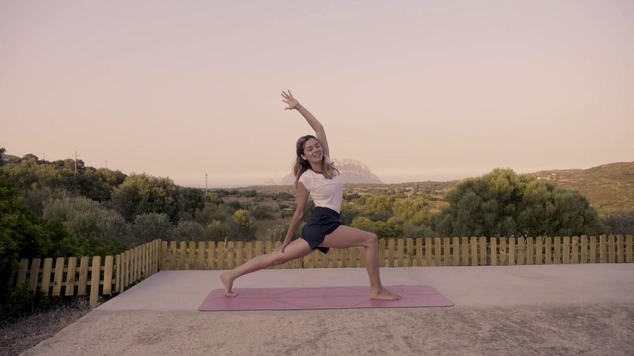 Yoga Flow am Morgen mit Nora / alle Levels (auf deutsch)
