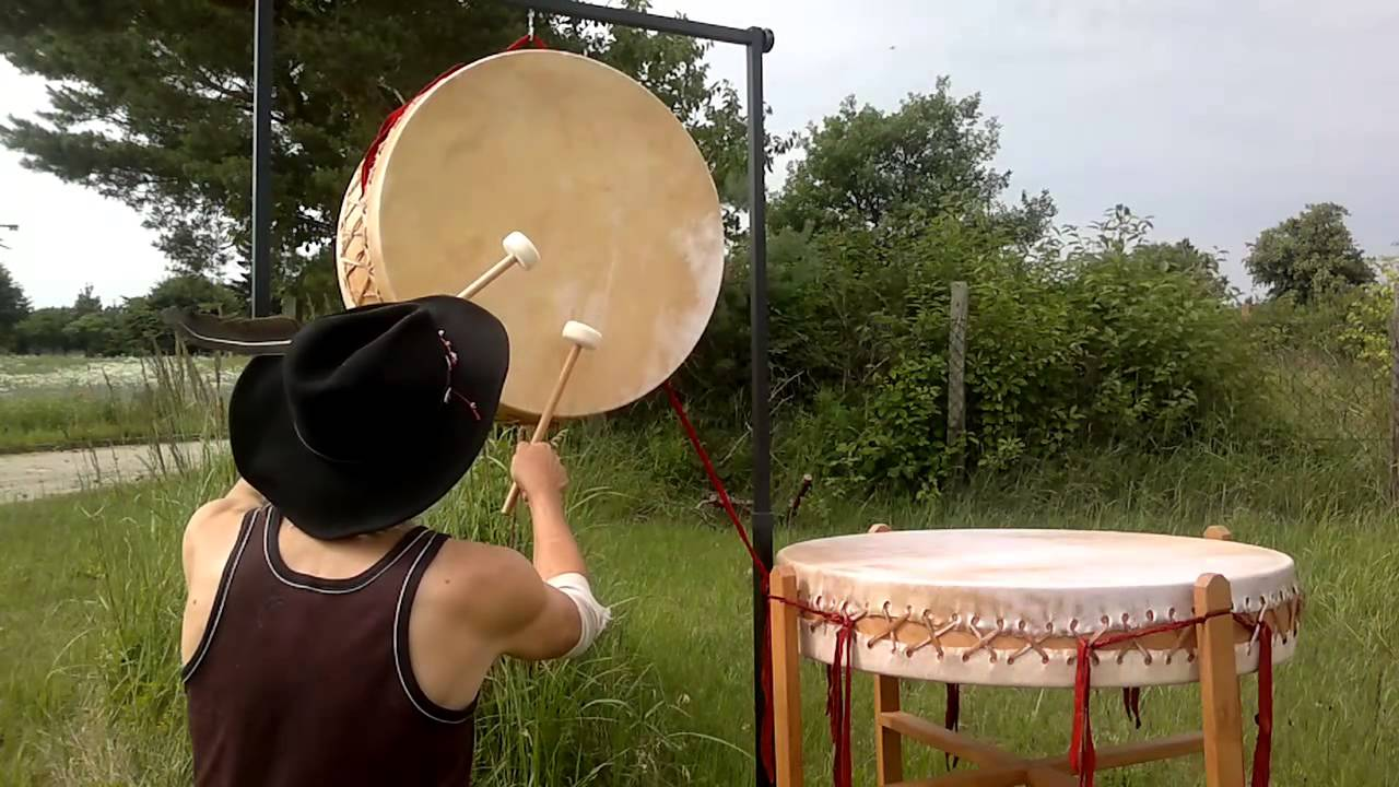 BECKMANN Trommeln & Perkussion - Gong Trommel, Pow-Wow Trommel - YouTube