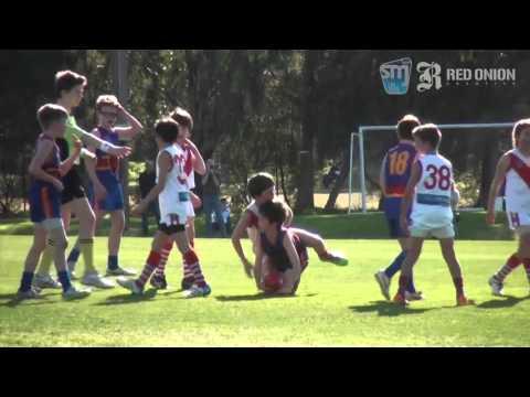 U11 South Red St Paul's McKinnon JFC vs South Melbourne Districts