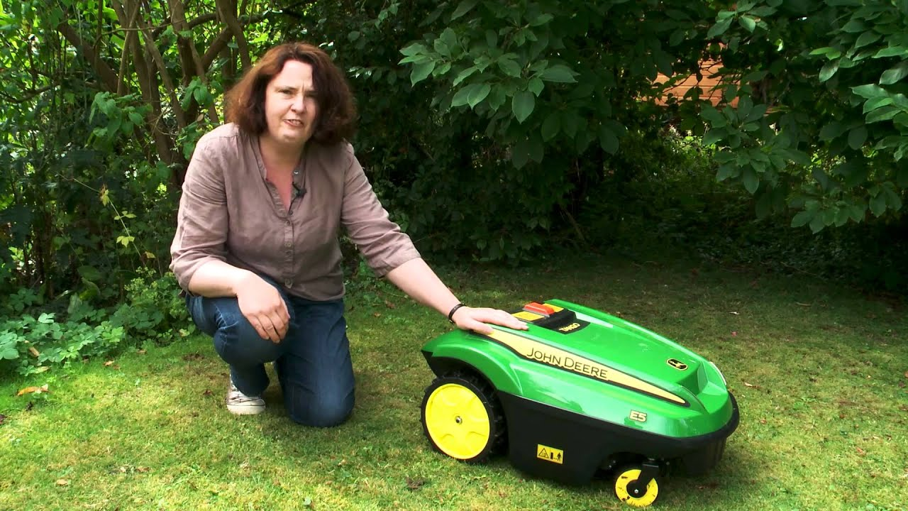 John Deere Tango Robot Lawnmower Which First Look Youtube