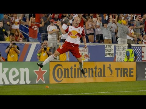 GOAL: Mike Grella equalizes on a nifty turn