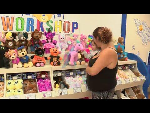 Build-A-Bear Workshop Opens
