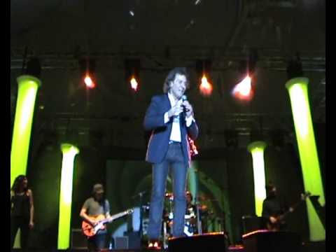 ALBERT HAMMOND - One Moment in Time -Live in Valladolid-