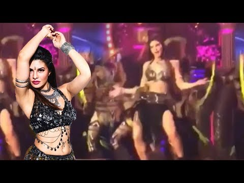Jacqueline Fernandez ENERGETIC Dance At Star Screen Awards 2018