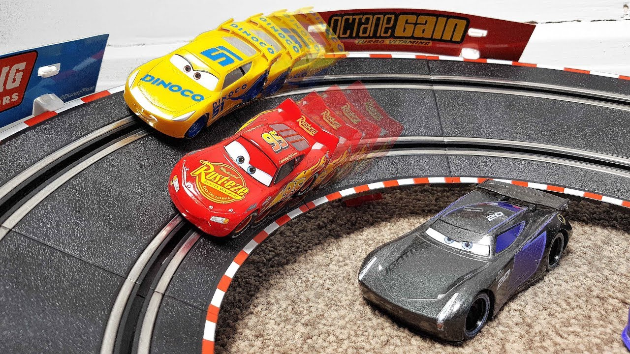 Disney Cars 3 Toys Carrera Go Racing Circuit Set Lightning Mcqueen And Dinoco Cruz Ramirez Track