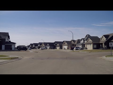 Life in Lloydminster Alberta Canada. Homes/Houses/Property/Real Estate & Land. Tour.