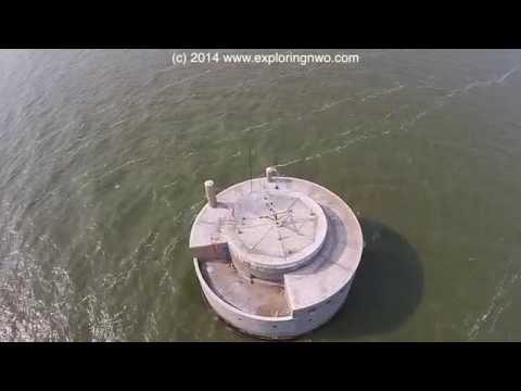 toledo-water-intake-in-lake-erie---aerial-view-straight-down-during-toxic-algae-bloom