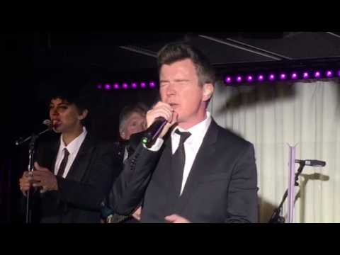 Rick Astley - Never Gonna Give You Up (Live 2016)