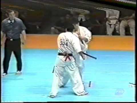極真会館 2000年全日本ウェイト制大会 樋口恵士 準決勝 (Kyokushin 2000 All Japan Weight Categoly) 滋賀空手