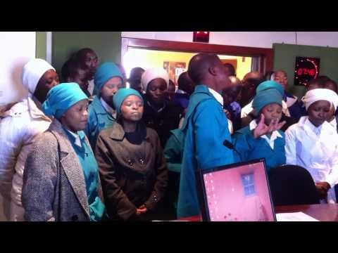 Insindiso Yobu Krestu Mass Choir - Thula Moya wam.MOV