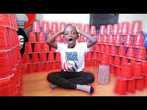 Building Giant Cup Fort To Escape Game Master! Johnny Johnny Yes Mama
