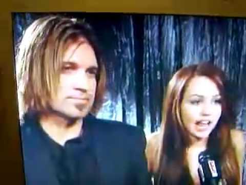 Miley Cyrus Talks about Vanessa Hudgens SCANDAL!