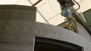 Impressora 3D constrói casas em betão