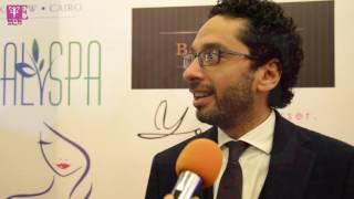 خاص بالفيديو.. دكتور محمد عماد يوضح ما يميز أزياء بهيج حسين