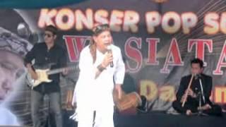 Bah Dadeng konser Pop Sunda Wasiatan 02
