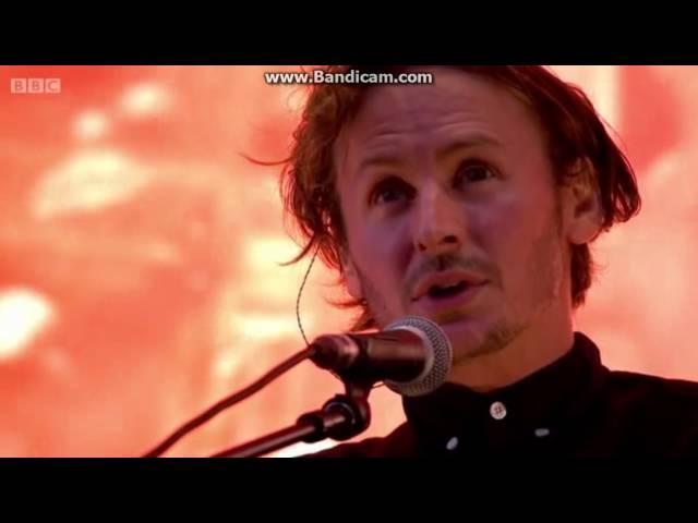 ben-howard-every-time-the-sun-comes-up-glastonbury-2015-bruna-carvalho