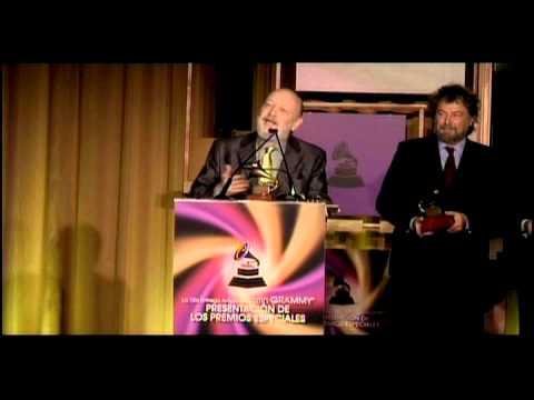 Premio Grammy a la Excelencia Musical 2011 · Les Luthiers