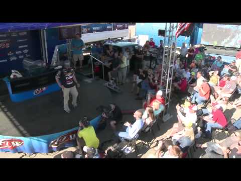 2014 Walmart FLW Tour at Sam Rayburn - Bryan Thrift Winning Moment