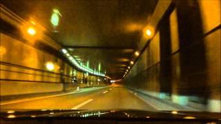 自転車通行禁止の御苑トンネルを走行中の自転車の行く先に警察のネズミ捕りが!。