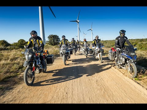 (en)-ktm-790-adventure-r,-bmw-r1250gs,-honda-crf-1000-l-africa-twin:-on-&-offroad-action-in-sout...