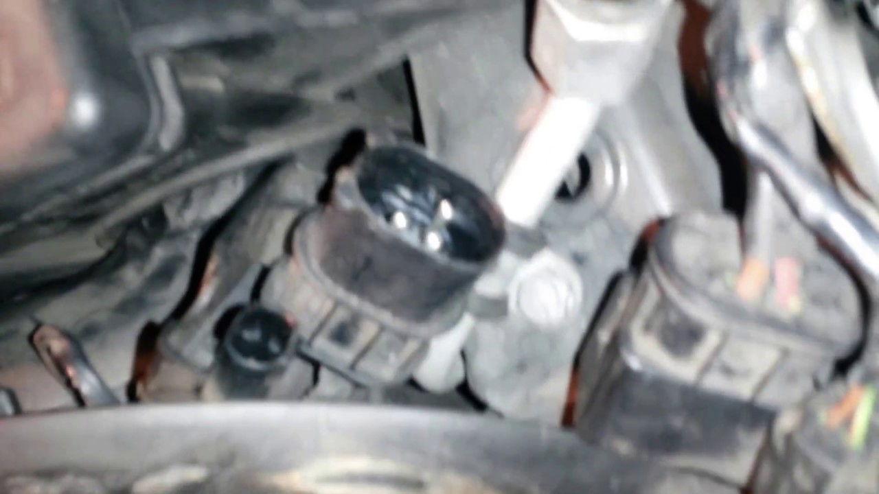 How to test the radiator fan on a Mini R50 20022003  YouTube