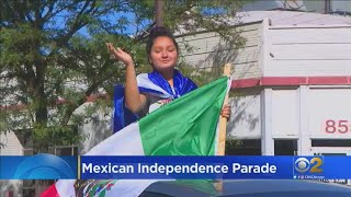 South Chicago Hosts COVID-19 Friendly Mexican Independence Day Parade