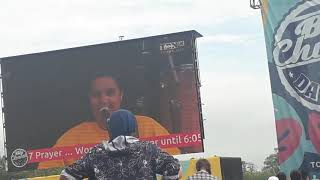 Ruti Olajugbagbe singing at BCDO Video
