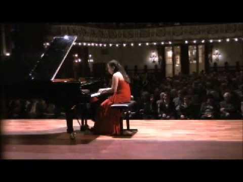 Dinara Klinton plays Mozart Sonata K311