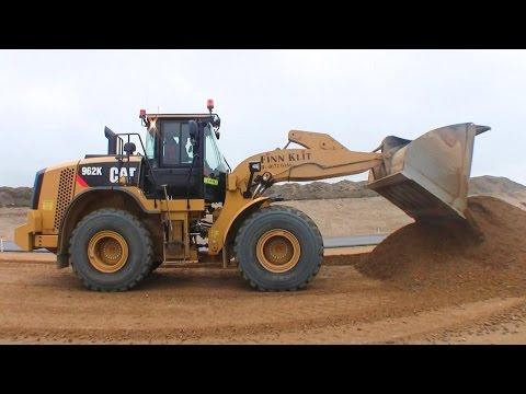 Cat 962K Wheelloader Working On The New Motorway
