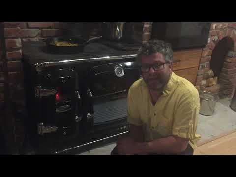 Lacunza Clasica Cast Iron Wood Cook Stove in Action!