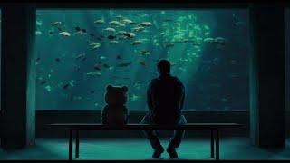 Дружеская беседа в акварианариуме — «Третий лишний» (2012) cцена 4/12 HD