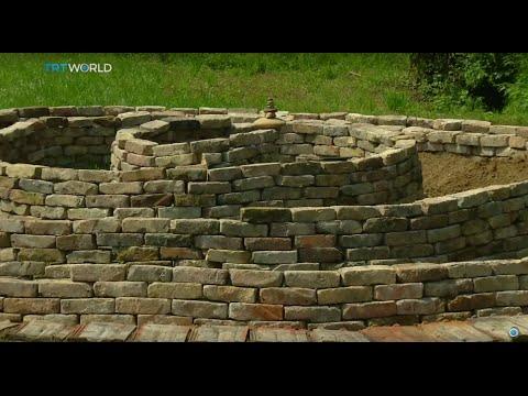 Showcase: Ancient pyramid
