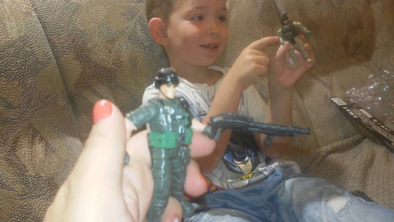 Игрушки для мальчиков. Военный набор, солдаты, оружие.